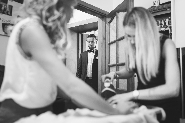 Małe kłopoty z suknią ślubną