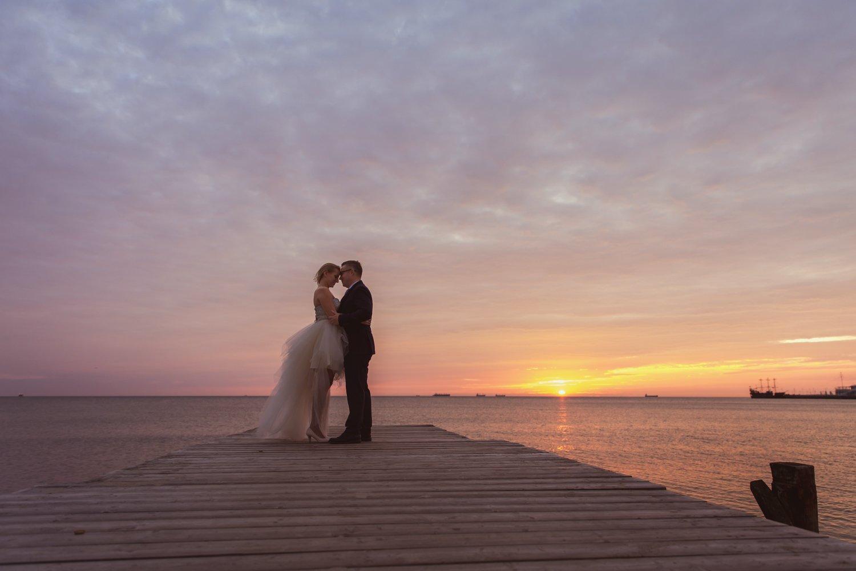 Sesja ślubna w Sopocie o wschodzie słońca