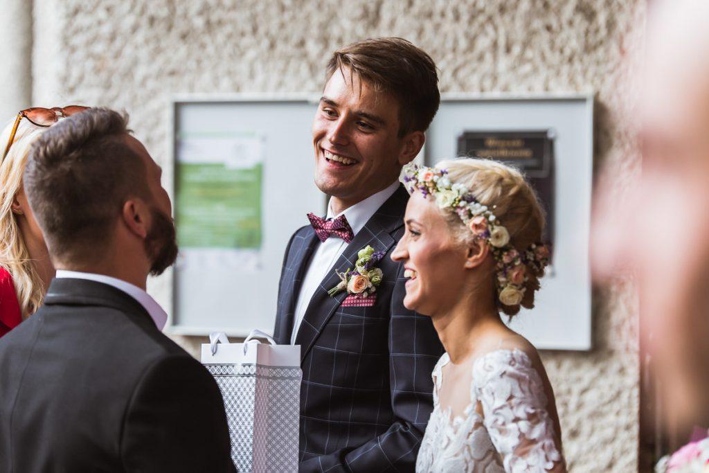 para młoda po ślubie