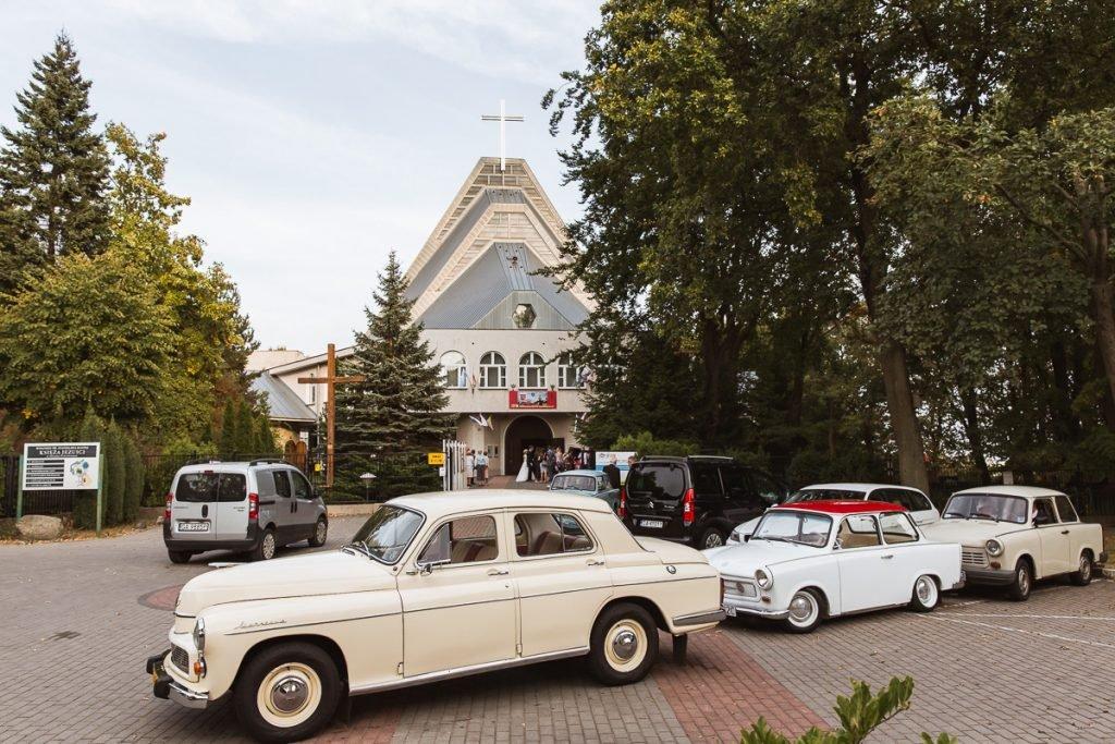 zabytkowe auta na ślubie