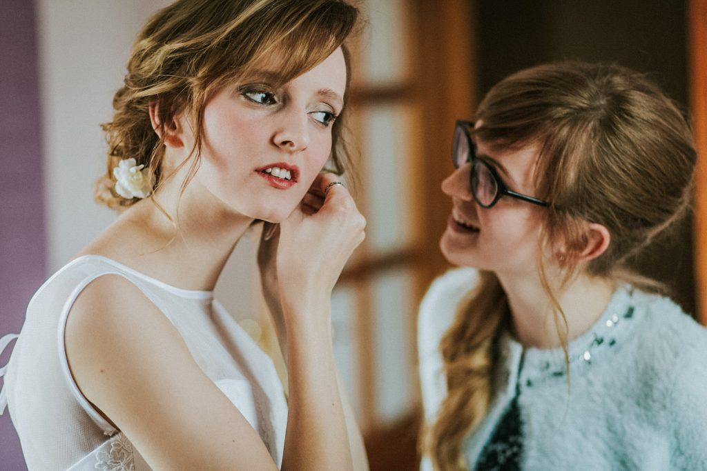 panna młoda z siostrą