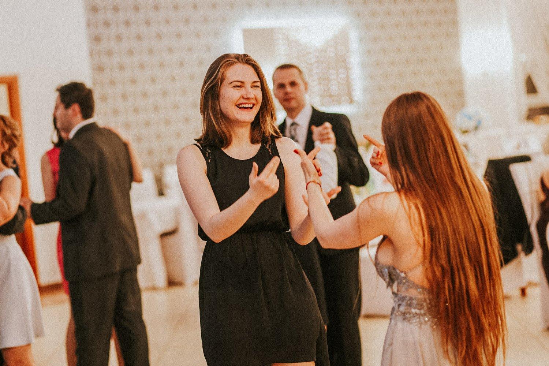 zabawa na weselu