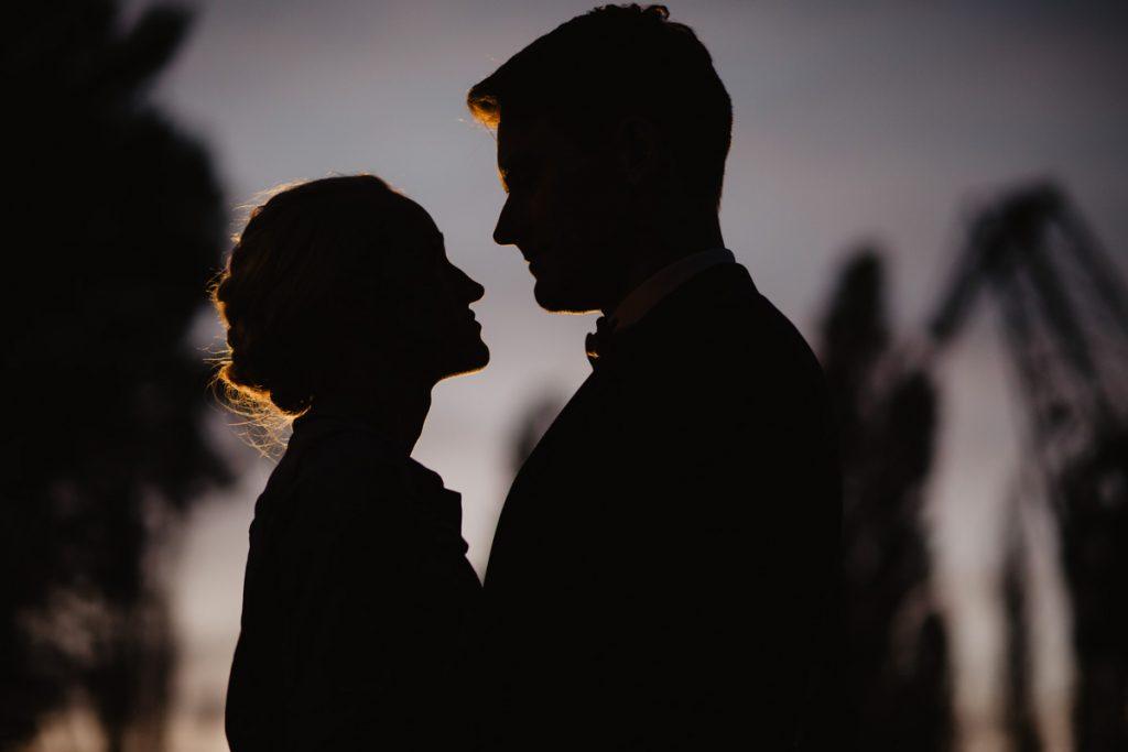 Plenerowa sesja ślubna w nocy