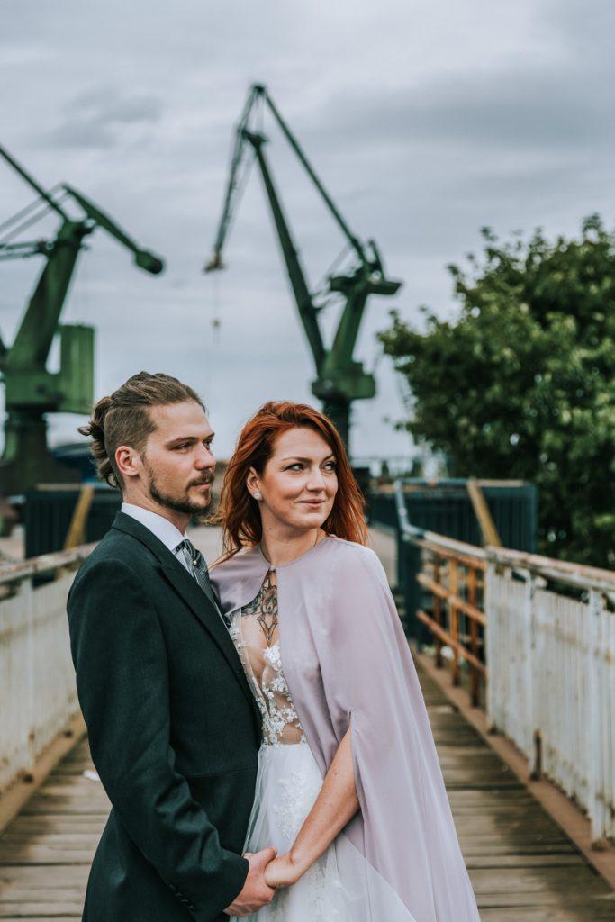 para młoda podczas sesji ślubnej w Gdańsku