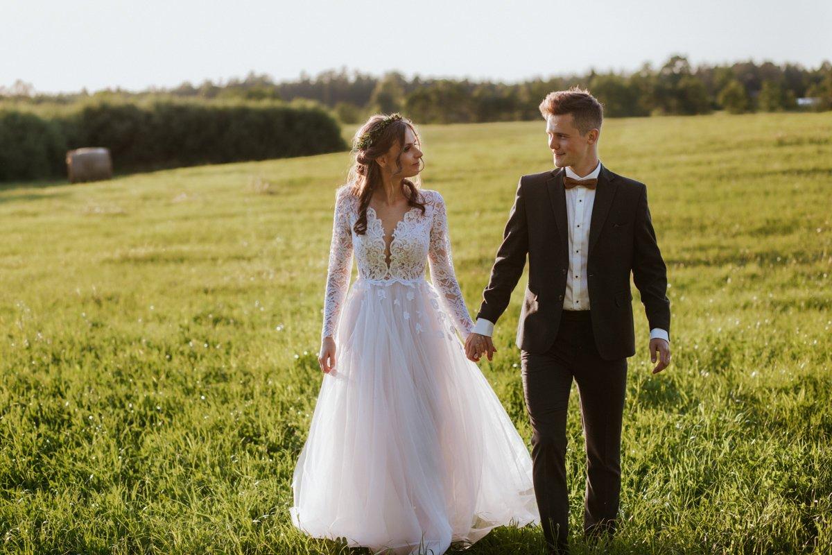 zdjęcia plenerowe w dniu ślubu
