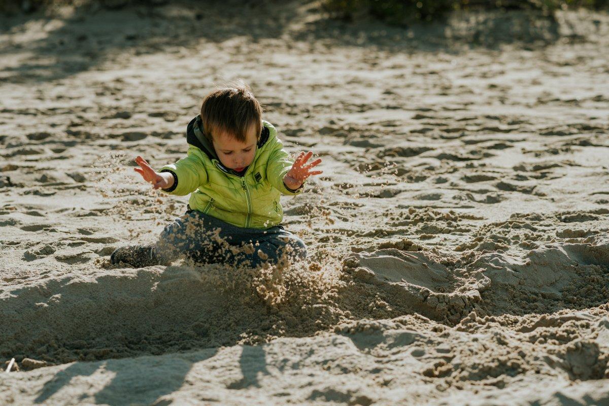 sesja dziecięca na plaży